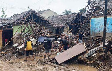 Banjir-Bandang-di-Sukabumi