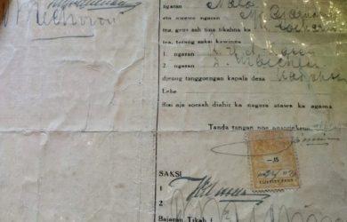 Dokumen surat nikah Inggit Garnasih dan Soekarno yang dimiliki ahli waris yang tinggal di Kota Bandung