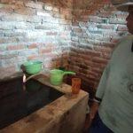 Gas yang keluar dari aliran air pompa sumur di Indramayu (ist)