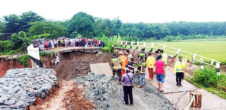 Kondisi jembatan Bodem yang ambruk beberapa waktu lalu.