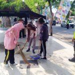 Wisatawan-di-Pantai-Selatan-Sukabumi