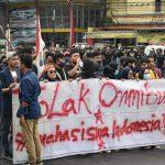 Aksi mahasiswa ketika di gerbang Tol Pasteur Kota Bandung (arf1)