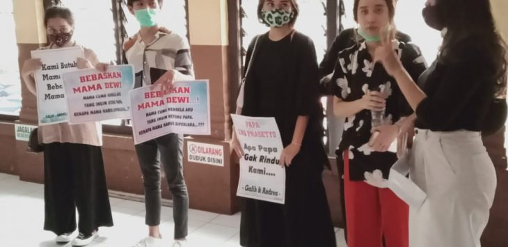 Anak terdakwa kasus ITE yang melibatkan anggota DPRD Jabar ikut hadiri sidang ibunya (arf)
