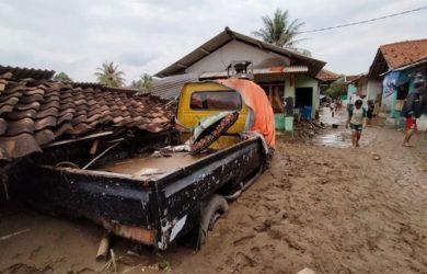 Banjir-Bandang-di-garut