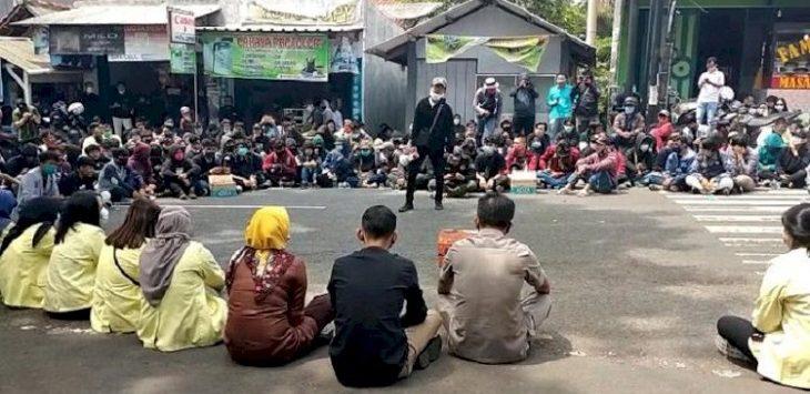 Demonstrasi Tolak UU Ciptaker di Kuningan./Foto: Rmol