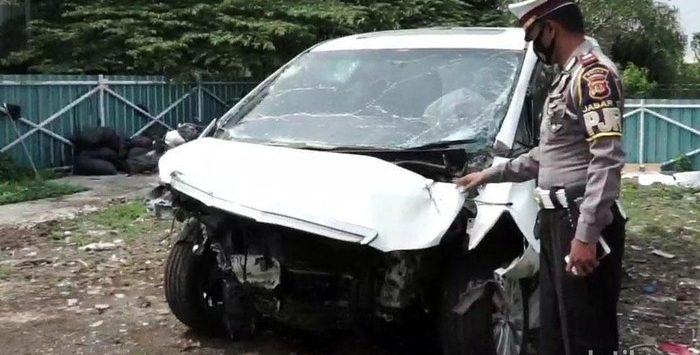 Kondisi Alphard Hanafi Rais ringsek usai kecelakaan di Tol Cipali Purwakarta (dtc)