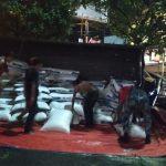 Truk pakan ternak terguling di Jalan Achmad Adnawijaya Kota Bogor (ist)