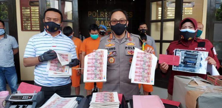 Uang palsu senilai Rp800 juta diamankan di Kota Bandung (arf)