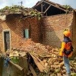 Rumah ambruk di Bekasi