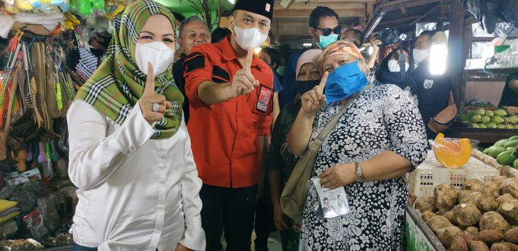ist KOMPAK NOMOR 1 : Calon Wakil Walikota Depok Nomor Urut 1, Afifah Alia, memanfaatkan waktu kampanyenya, Kamis (12/11), untuk blusakan ke Pasar Agung,