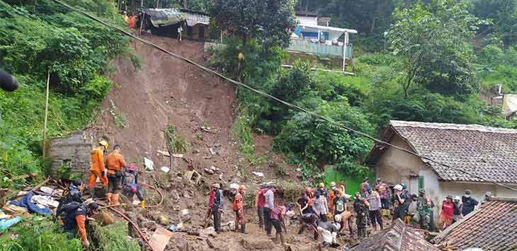 Bencana longsor di Kampung lebak Cihideung, Desa Jayagiri, Kecamatan Lembang, Kab. Bandung Barat yang memakan korban pada Kamis (24/12/2020).
