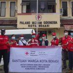 PMI Kota Bekasi Salurkan Bantuan untuk Korban Longsor Sumedang