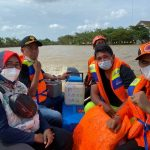 vaksin covid-19 bekasi banjir