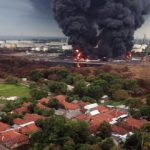 Foto udara titik lokasi kebakaran tangki minyak milik Pertamina RU VI Balongan