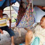 Pengungsi banjir di Karawang