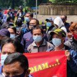 Massa Buruh Serbu Pemkab Bekasi, Tuntut UMSK 2021 Segera Ditetapkan