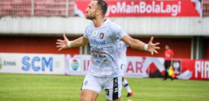 lija Spasojevic merayakan gol yang dia cetak ke gawang Persiraja Banda Aceh pada laga terakhir Grup D Piala Menpora 2021./Foto: istimewa