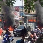 Kebakaran-di-Jalan-Sultan-Agung-Bekasi