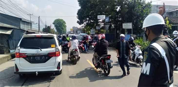 Ribuan Kendaran Tujuan Wisata Diputar balik di Pos Cicurug Sukabumi