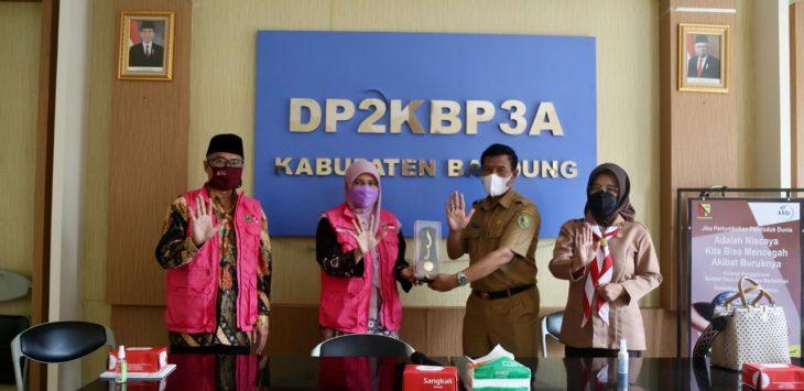 Pimpinan dan Anggota Komisi V DPRD studi komparatif di DP2KBP3A Kabupaten Bandung./Foto: Istimewa