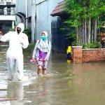 Dua Pasien Covid-19 di PHP yang Terjebak Banjir Dijemput