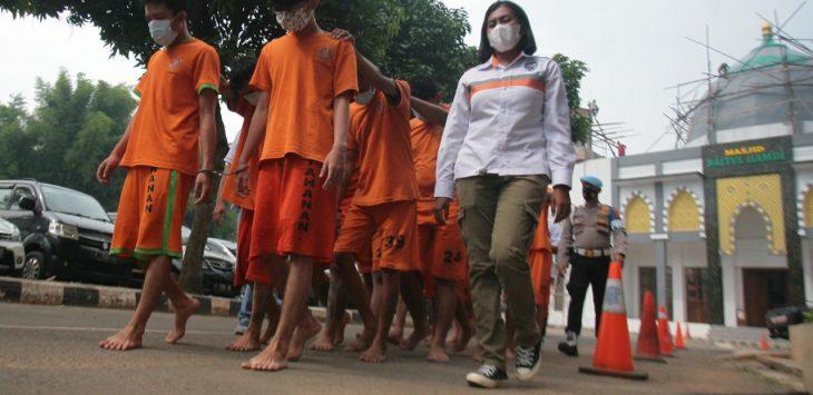 Pelaku pembuatan tembakau sintetis ditangkap Polres Bogor. Foto/Rishad