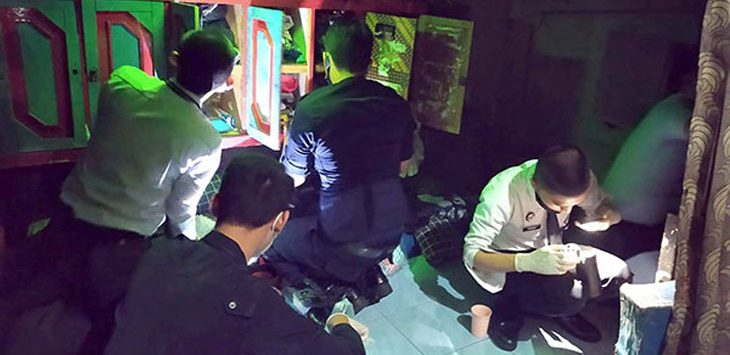 Sejumlah Petugas Lapas Kelas IIB Sukabumi saat melakukan penggeledahan terhadap para Napi.