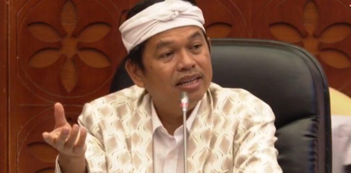 Wakil Ketua Komisi IV Dedi Mulyadi, saat Rapat Dengar Pendapat di gedung DPR RI.