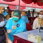 vaksinasi massal di stadion patriot