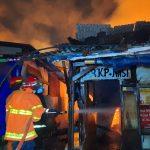 Kebakaran di Pasar Baru, Api Berkobar Bakar Puluhan Kios