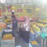 Toko buah Omen di Karawang