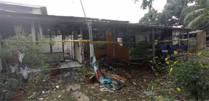 Kondisi kontrakan yang hangus terbakar, di Jalan Arif Rahman Hakim (ARH) RT4/12 Kelurahan Depok, Kecamatan Pancoranmas, Minggu (1/8).