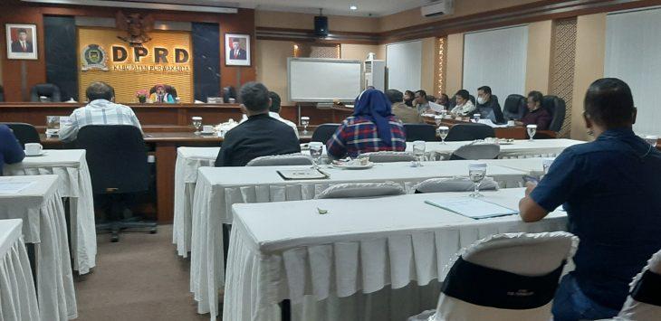 Rapat banggar perubahan 2021 dilaksanakan perdana malam ini, di gedung DPRD Purwakarta.